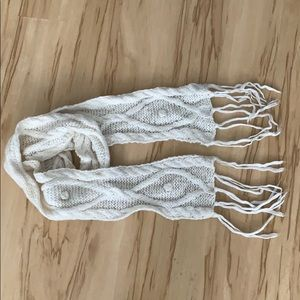 American Eagle Ivory Cable Knit Scarf